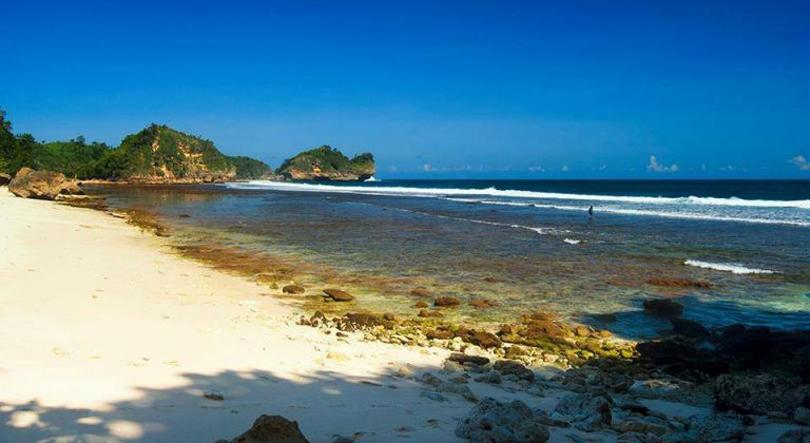 pantai karang tengkorak