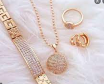 Tips Membeli Perhiasan Sebagai Hadiah untuk Sahabat